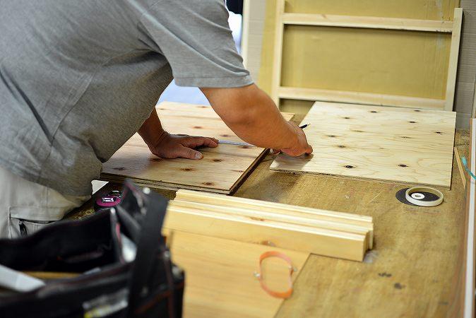 より自由な暮らしへ!木製建具工事と家具工事